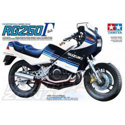 Tamiya - 1:12 Suzuki RG250 R Gamma - makett