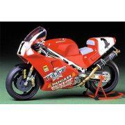 Tamiya Ducati 888 Superbike Racer - makett