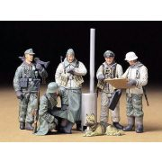 Tamiya Geman Soldiers at Field Briefing - makett