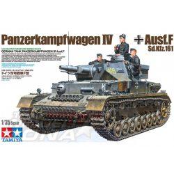 Tamiya - 1:35 Pz.Kpfw.IV Ausf.F - makett három figurával