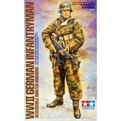 Tamiya - 1:16 német gyalogos katona téli egyenruhában - figura