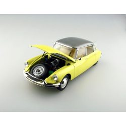 Ebbro 1:24 Citroen DS 19 Limousine - makett