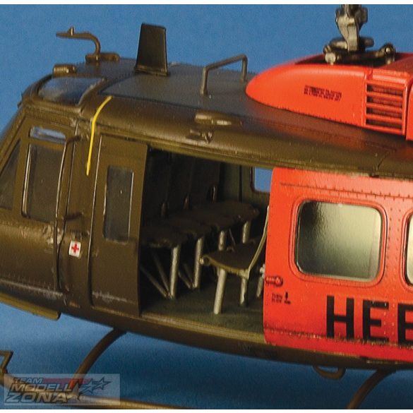 Italeri 1:48 UH-1D Slick - makett