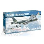 Italeri - 1:72 Boeing B-52H Stratofortress - makett