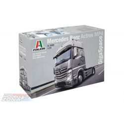 Italeri - 1:24 Mercedes Benz Actros MP4 Gigaspace- makett