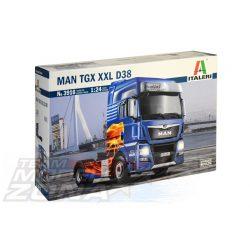 Italeri - 1:24 MAN TGX XXL D38 E6 Edition- makett