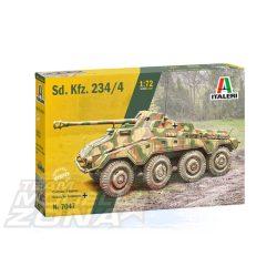 Italeri - 1:72 Sd. Kfz. 234/4 páncélgépkocsi  - makett