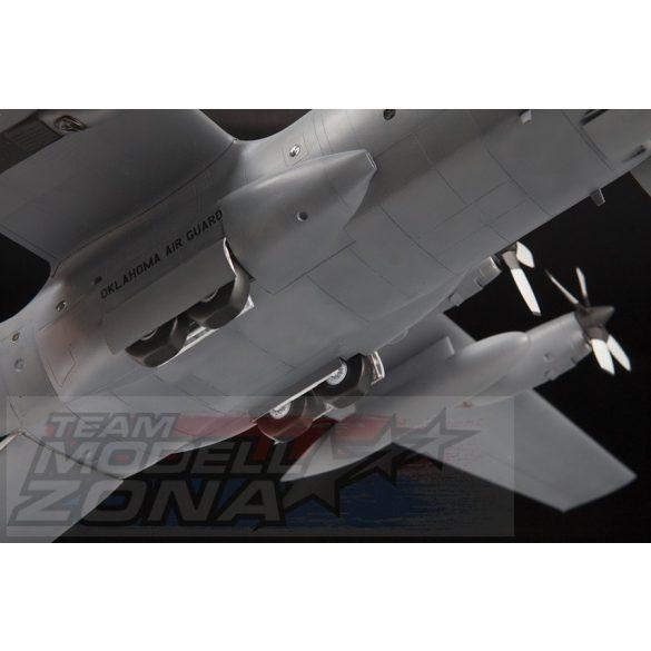 Zvezda - 1:72 C-130 H Herkules amerikai katonai teherszállító repülő - mekett