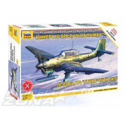 Zvezda - 1:72 JU-87 B-2/U4 Stuka w/Ski - makett 2 db figurával