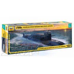 """Zvezda - 1.350 """"Delfin""""Nuklear-U-Boot Delta IV  - tengeralattjáró makett"""