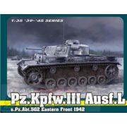 Dragon - 1:35 Pz.Kpfw.III Ausf.Ls.Pz.Abt.502 Leningrad - makett